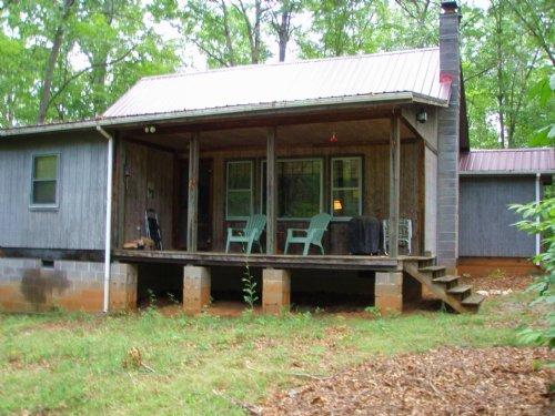 Cabin At Twin Lakes : Drakes Branch : Charlotte County : Virginia