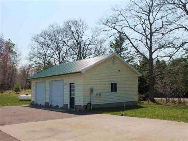 13831 Ford Dr., Mls 1104185 : Lanse : Baraga County : Michigan