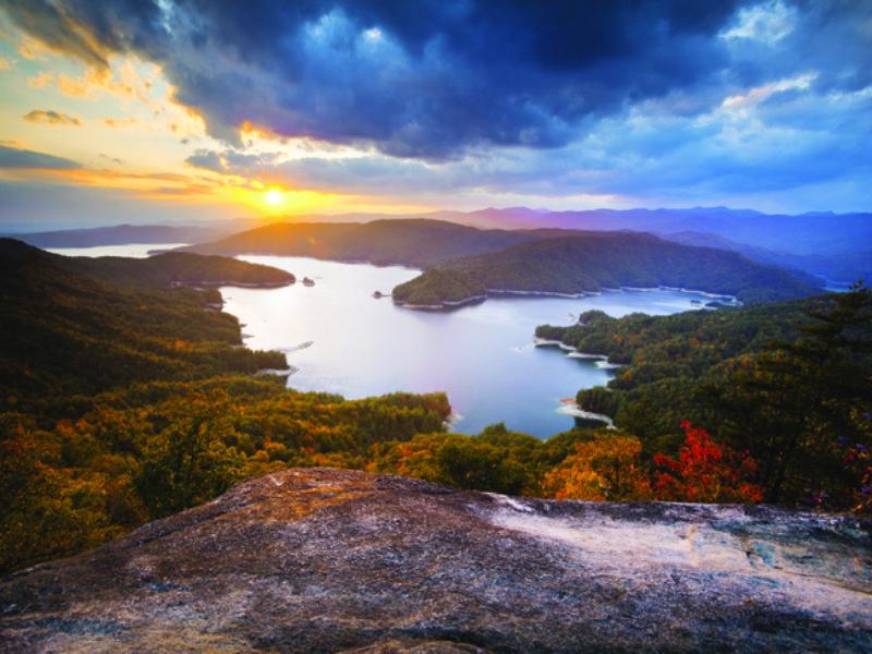 Lakeside Estate Lake Keowee : Seneca : Oconee County : South Carolina