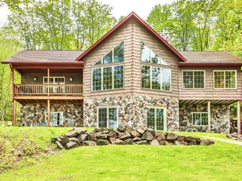 Custom Built 5br/3ba Lake Home : Winchester : Vilas County : Wisconsin