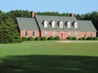 Large Home W/acreage In Jonesboro