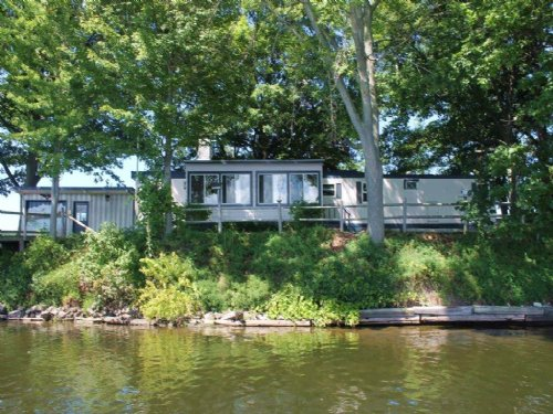 Home On Peninsula On Salmon River : Richland : Oswego County : New York