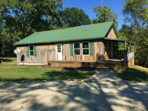 Nice Cabin Touches Wayne National : Malta : Morgan County : Ohio