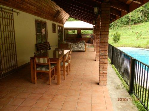 4.5 Ac Country Estate : La Suiza De Turrialba : Costa Rica