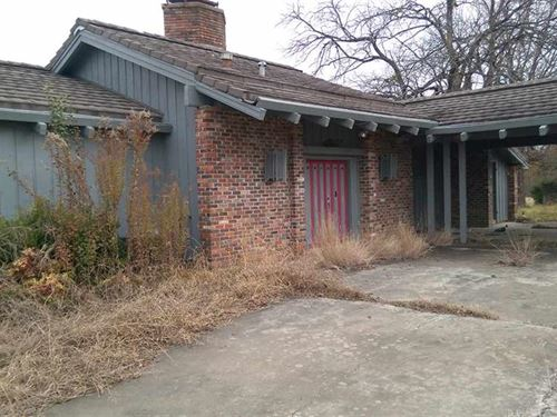 Home With 16+ Acres / 30558 : Clarksville : Red River County : Texas