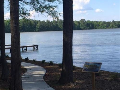 Beautiful Wooded 1.38 Acre Lot In H : Eatonton : Putnam County : Georgia