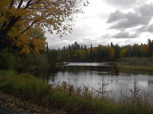 19046 Collins Rd 1099046 : Lanse : Baraga County : Michigan