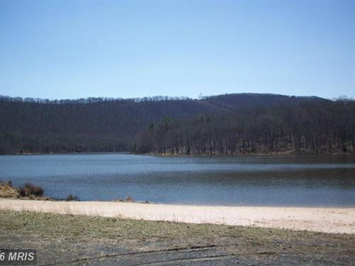 Come Stay At Lake Ferndale : Springfeild : Hampshire County : West Virginia