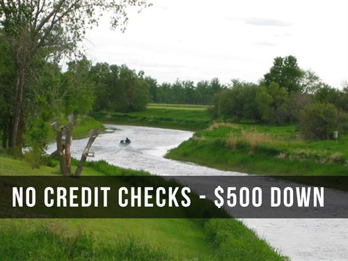 9 Acres On Red Lake River : Thief River Falls : Pennington County : Minnesota