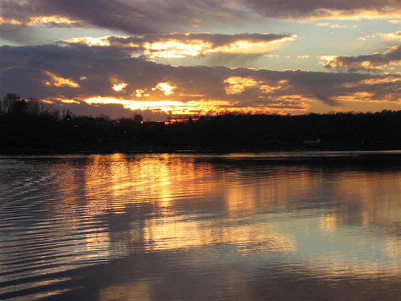 Huge Acreage Lake Estate : Spring City : Rhea County : Tennessee