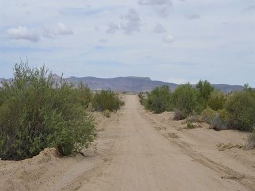 .57 Acre Property In Mohave County : Wikieup : Mohave County : Arizona