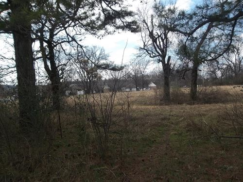 13 Acres M/L In Town : Tahlequah : Cherokee County : Oklahoma