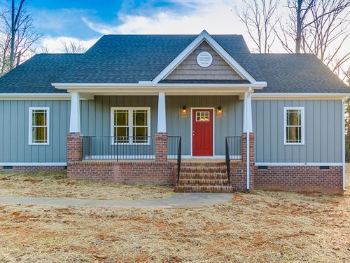 New Home On 5.38 Acres : Goochland : Virginia