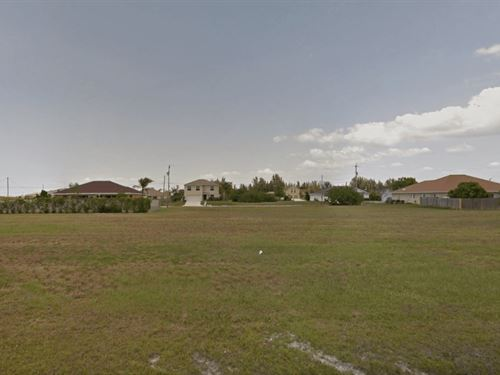 Residential Land In Cape Coral : Cape Coral : Lee County : Florida