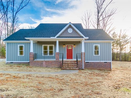 New Home On 5.77 Acres : Goochland : Virginia