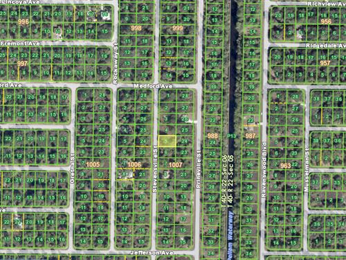 8 Lots Together For Sale : Port Charlotte : Charlotte County : Florida