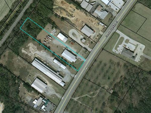 Commercial Building With 3 Acres : Byron : Peach County : Georgia