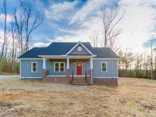 New Home On 9+ Acre Lot : Goochland : Virginia