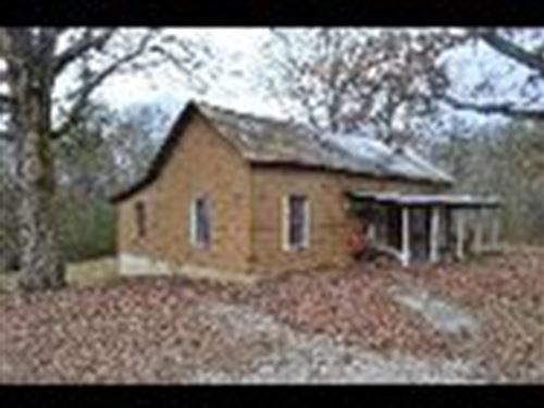 Home & 6.05 +/- Acres : Jamestown : Fentress County : Tennessee