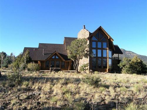 Exquisite & Custom Log Home : South Fork : Rio Grande County : Colorado