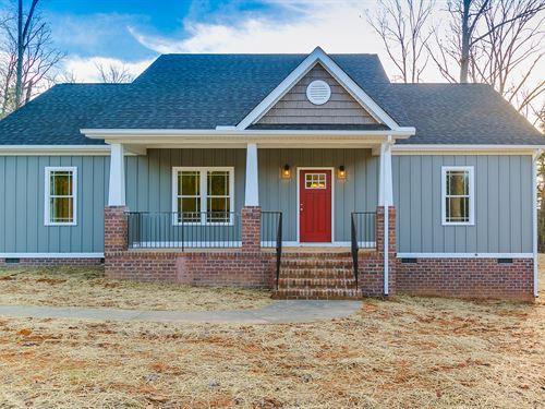 New Home On 10 Acres : Powhatan County : Virginia