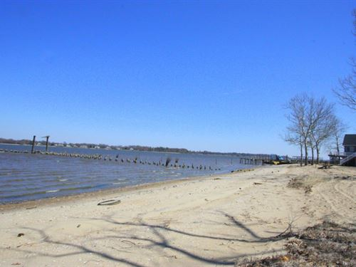 Waterfront Lot With Beach : Wakefield : Surry County : Virginia