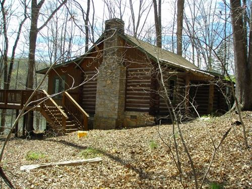 Beautiful Custom Cabin : Pamplin : Prince Edward County : Virginia