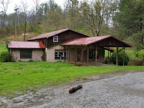 Home With Studio/Shop & Barn : Murphy : Cherokee County : North Carolina