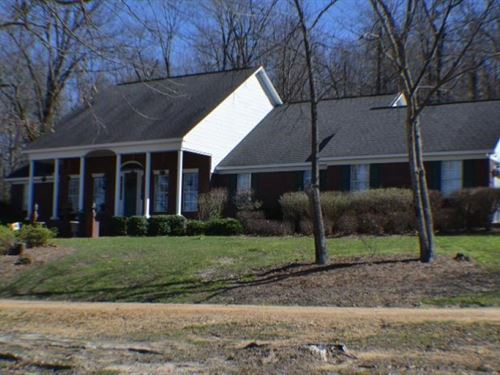 10.49 Acres With A Home In Panola : Pope : Panola County : Mississippi