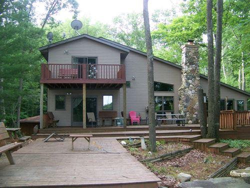 Strawberry Lake Lodge : Evart : Osceola County : Michigan