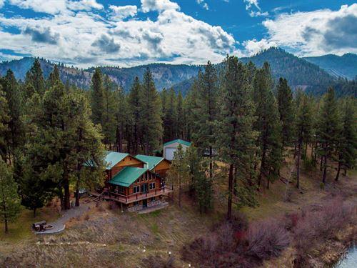 Clark Fork Recreation And Relaxatio : Missoula : Montana