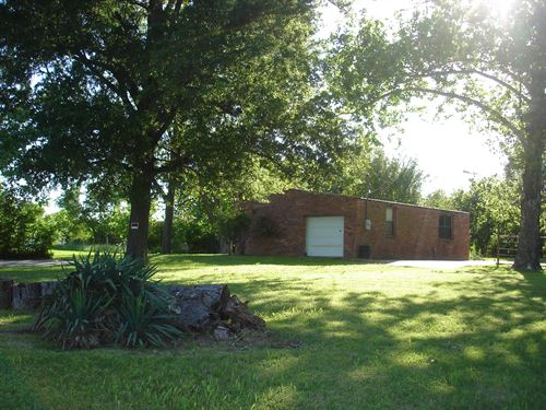 Commercial Property In Ne Texas : Paris : Lamar County : Texas
