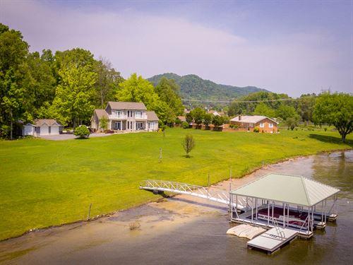 Amazing Cherokee Lake Front Home : Mooresburg : Hawkins County : Tennessee