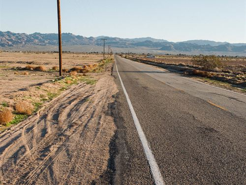 Brand New Los Angeles County Land : Palmdale : Los Angeles County : California