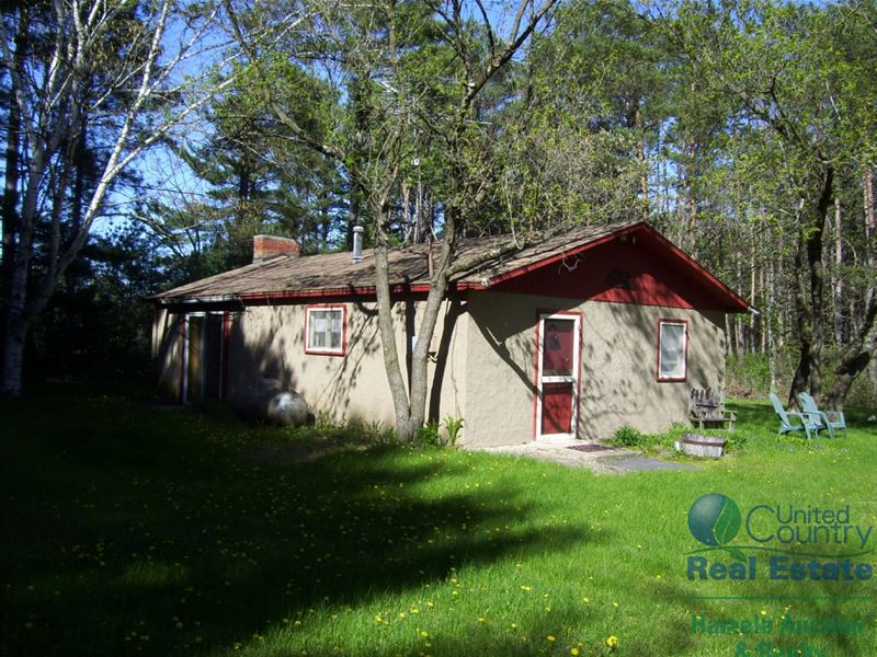 Country Cabin And Private Getaway : Coloma : Waushara County : Wisconsin