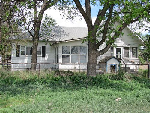 Country Fixer-Upper : Bayard : Morrill County : Nebraska