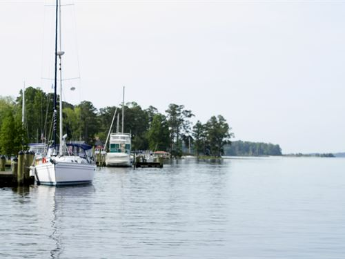 Exclusive Intracoastal Waterfront : Bath : Beaufort County : North Carolina