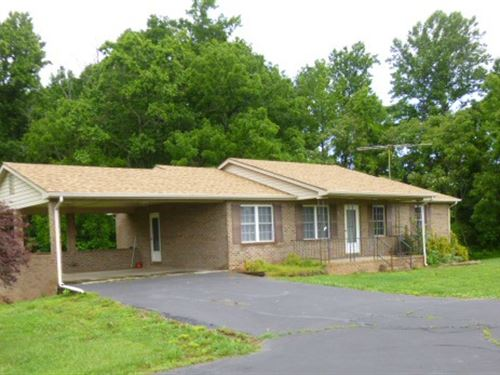 Nice Brick Home : Cullen : Prince Edward County : Virginia
