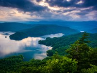 Lake Estate With Boat Slips : Lafollete : Campbell County : Tennessee