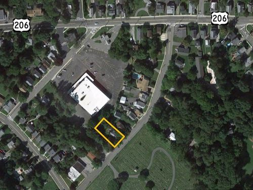 Residential Lot With Vacant Sfh : Newton : Sussex County : New Jersey
