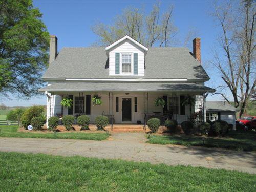 8.061 +/- Ac, Antebellum Home : Rydal : Bartow County : Georgia