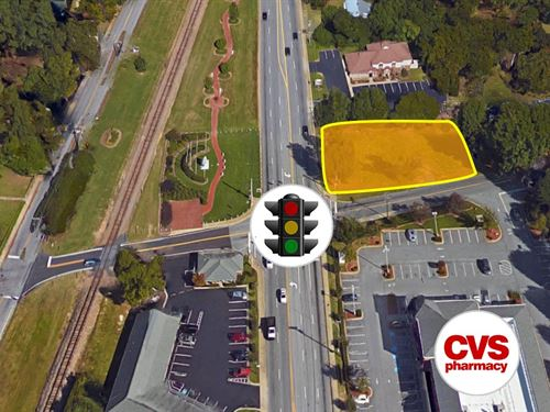Land On Corner Of Main St. : Simpsonville : Greenville County : South Carolina