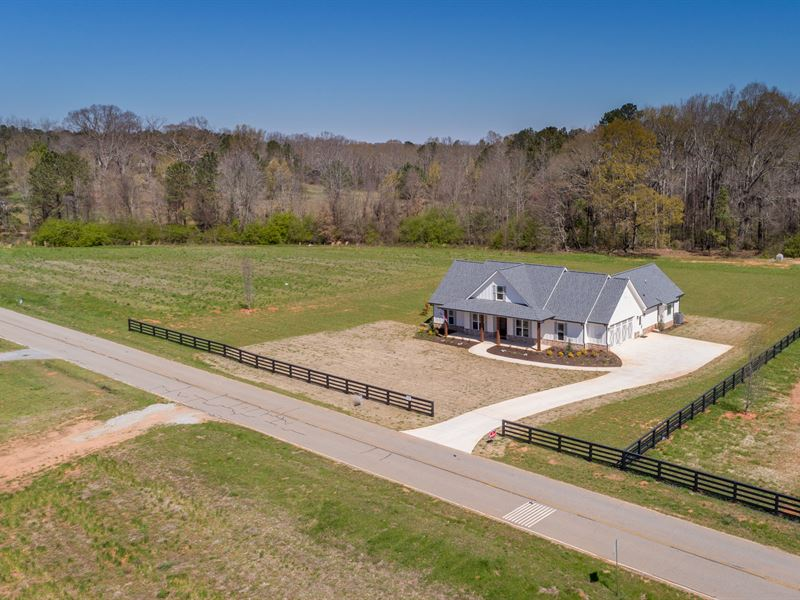 New Construction Farmhouse On 5+ Ac : Madison : Morgan County : Georgia