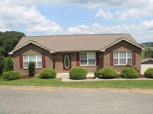Country Home With A View : New Tazewell : Claiborne County : Tennessee