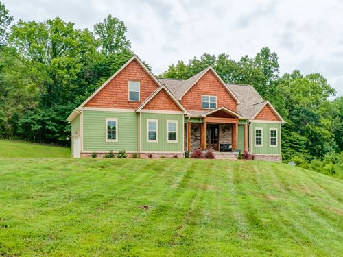 Contemporary Custom Farm House : Columbia : Maury County : Tennessee