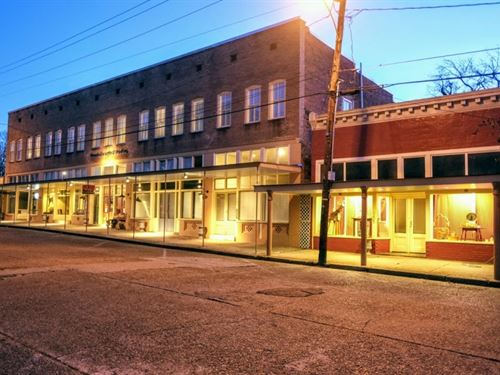 Historic Town Square Building For S : Woodville : Wilkinson County : Mississippi