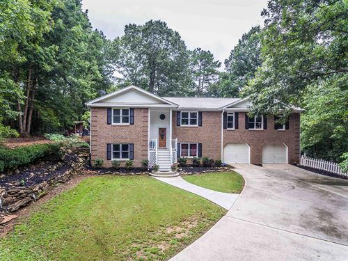 Remodeled Home In Sought After Morg : Madison : Morgan County : Georgia