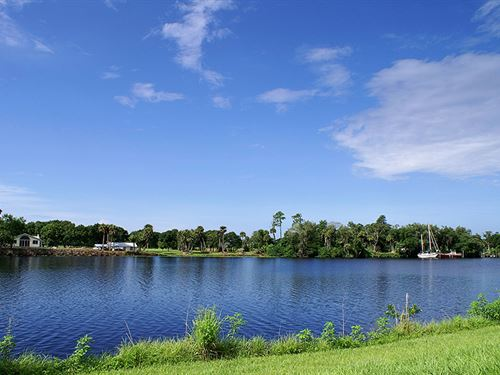 Riverfront Intercoastal East Lot : Labelle : Hendry County : Florida