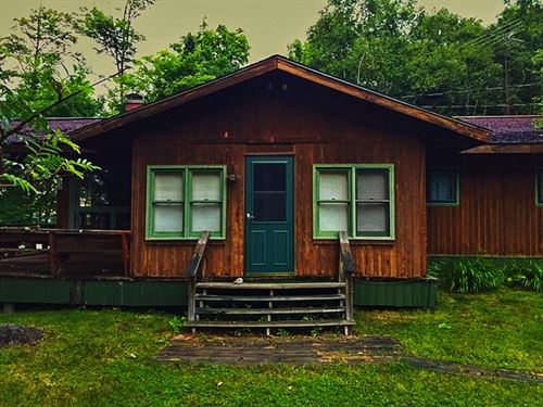 366 Cardinal Red Rd., Mls 1104004 : Michigamme : Houghton County : Michigan