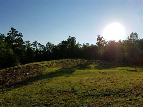 Quaint Farm House On Horsefarm : Kingston : Roane County : Tennessee